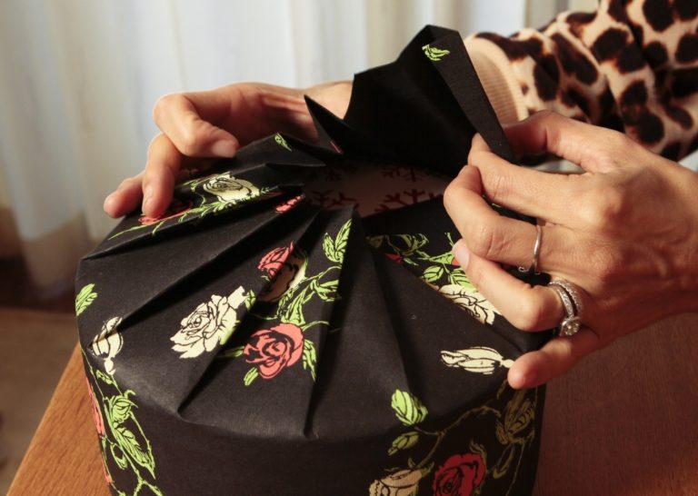 Упаковка круглого подарка 4